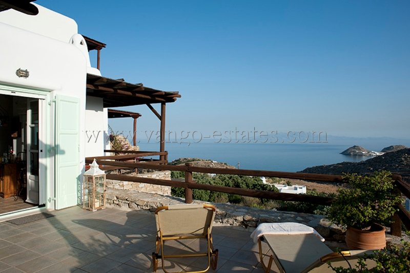 Holiday house in Lia with garden and sea view