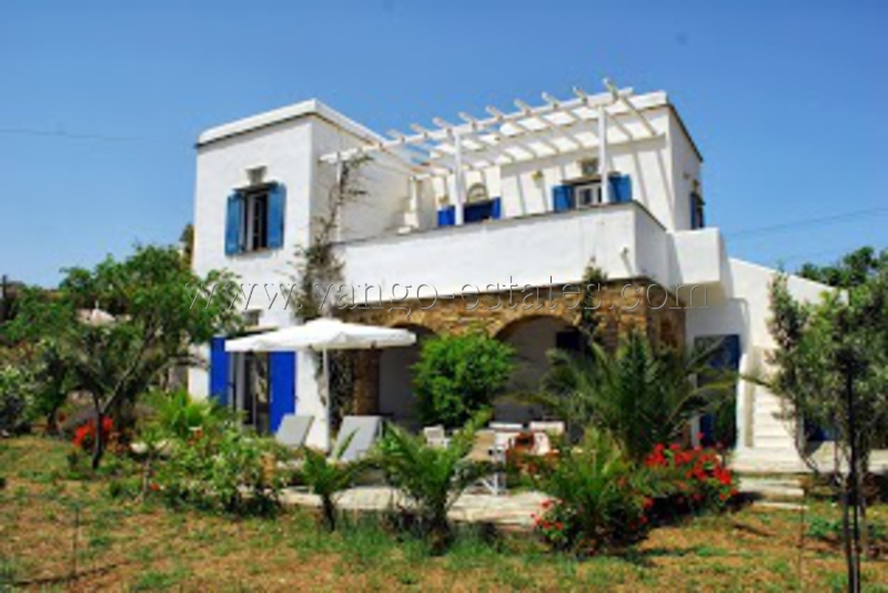 House for sale in Chatzirados with buildable plots of land