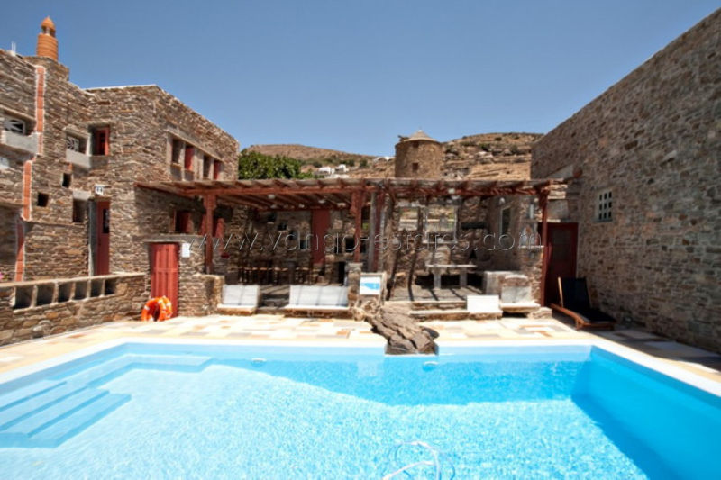 Holiday villa with private pool and fantastic view for rent in Triandaros