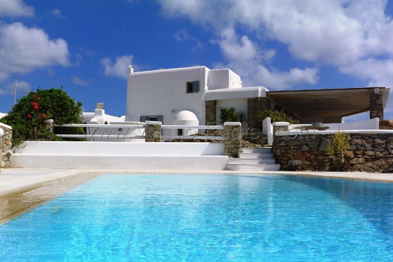 Ftelia Bay house