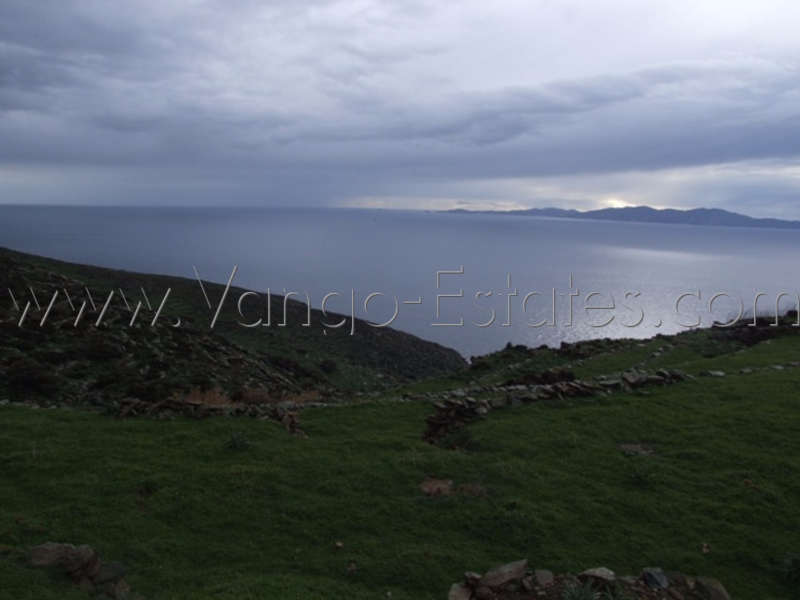Field with cells, dovecote, fantastic sea view in Tinos