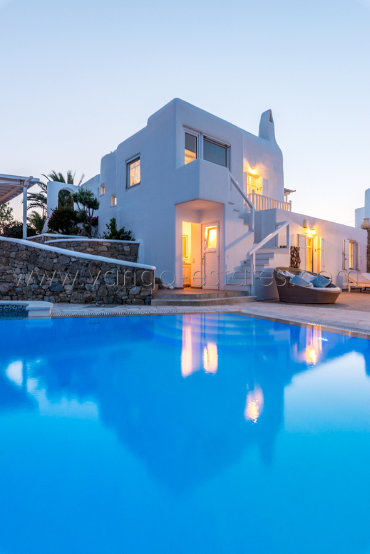 14 guests Mykonos villa private pool and Jacuzzi