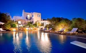Villa privé à Lia avec une superbe piscine / Location de vacance